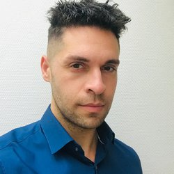 Constantine Kourakis - angielski > grecki translator