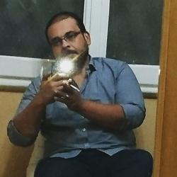 nader Hagar - árabe a inglés translator