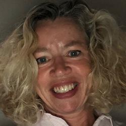 Catherine Poventud - neerlandés a inglés translator