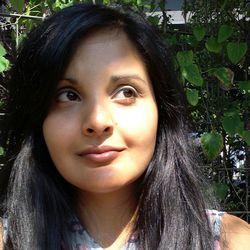 Azra Ahmed - alemán al inglés translator