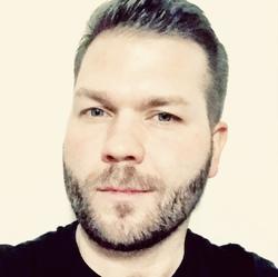 Mikko Hiidenkari - angielski > fiński translator