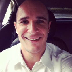 Renato Crispino - portugués a inglés translator