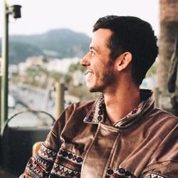 Emre Hepdeniz - English a Turkish translator