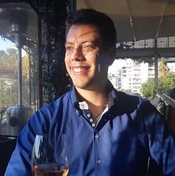 Eduardo Siqueira - inglés a portugués translator