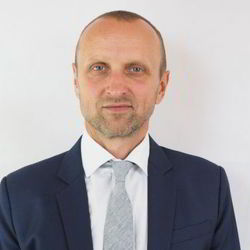 Milan Hudecek - inglés a eslovaco translator