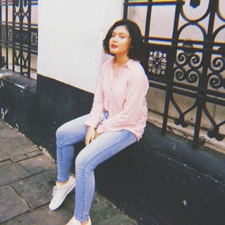 Pychita Julinanda - inglés a indonesio translator