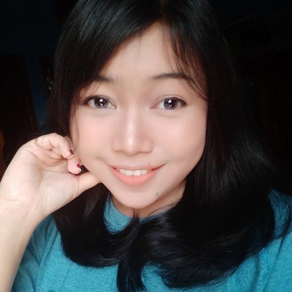 Dinda Puri - inglés a indonesio translator