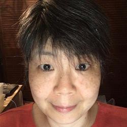 Mika Boots - English a Japanese translator