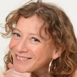 Lara Barnett - francuski > angielski translator