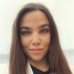 Linda Selmani - angielski > słowacki translator