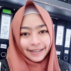 Ratih Dewi Sujana - inglés a indonesio translator