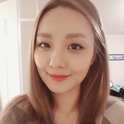 Melanie Yun - angielski > koreański translator