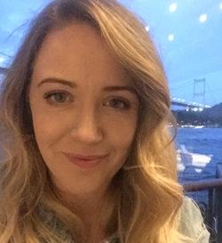 Elisabeth White - włoski > angielski translator