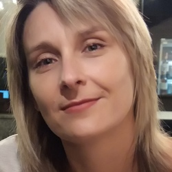 Lyudmyla Voznyuk - ruso a ucraniano translator