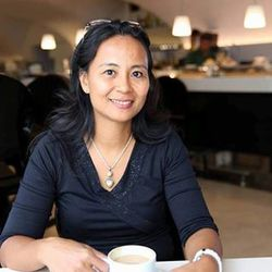 Ratna Wusono - hiszpański > indonezyjski translator