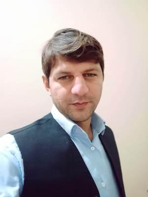 Abid Riaz - pastún (pujto) a inglés translator