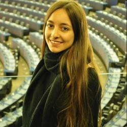 Maria Mourava - inglés a griego translator