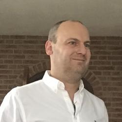 Kick Schouten - inglés a neerlandés translator