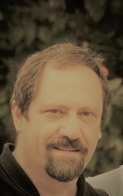 Daniel Falcoff - angielski > hiszpański translator