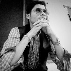 siddharth prabhakar - inglés a hindi translator