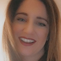 Eleni Panagiotopoulou - angielski > grecki translator