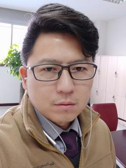 Qing Shi - angielski > chiński translator