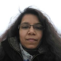 Shivani Khare - inglés a hindi translator