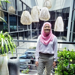 Virlia Savitri - inglés a indonesio translator