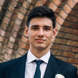 Andrew Husak - ucraniano a ruso translator