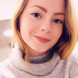 Anni Laurinmäki - angielski > fiński translator