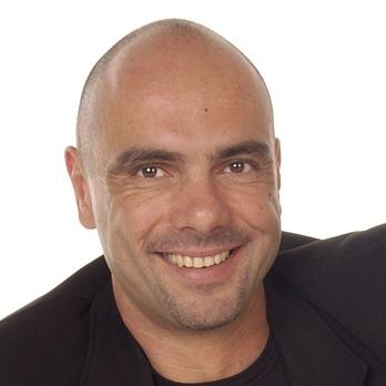 NIKOLAOS KARELLIS - angielski > grecki translator