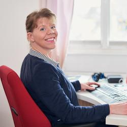 Tiina Linnamaa - angielski > fiński translator