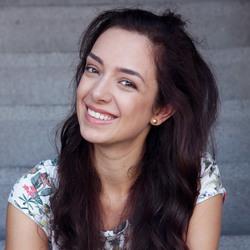 Stella Brüggen - English to Dutch translator
