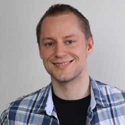 Tuomas Hanhivaara - English > Finnish translator