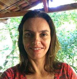 Luciana Monteiro - English to Portuguese translator