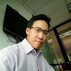Supasit Manpakdee - inglés a tailandés translator