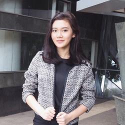Devinka Adira - indonezyjski > angielski translator