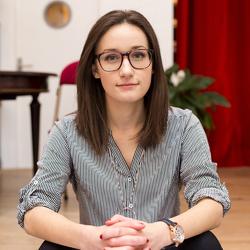 Léa Denimal - English to French translator