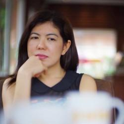 Roongsuree Chaikhuangaew - English a Thai translator