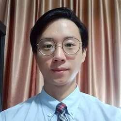 James Lee - angielski > koreański translator