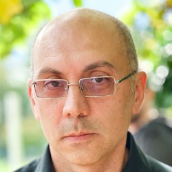 Luca Falzoni - angielski > włoski translator