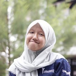 Anis Hanifah - indonezyjski > angielski translator