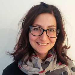 Simona Colone - inglés a italiano translator