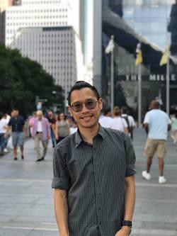 Warut Manoppong - inglés a tailandés translator