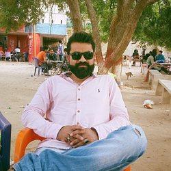 Gulfam Haider - inglés a urdu translator