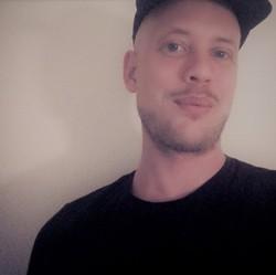 Richard Karlsson - angielski > szwedzki translator