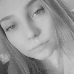 Margo Semenova - ruso a ucraniano translator