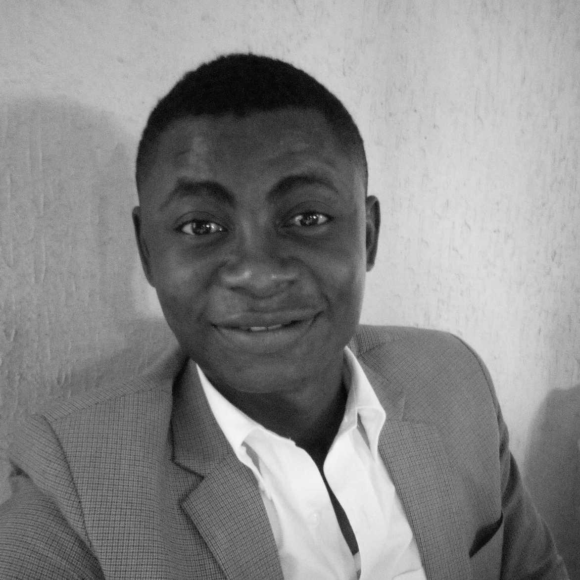 Tochukwu Stanley Mgbeoji - francés a inglés translator