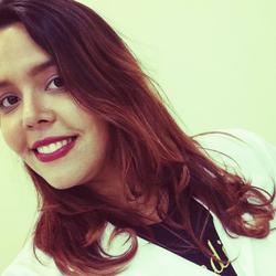 Mariana Custodio - English to Portuguese translator