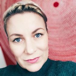 Ulla Veit - niemiecki > fiński translator